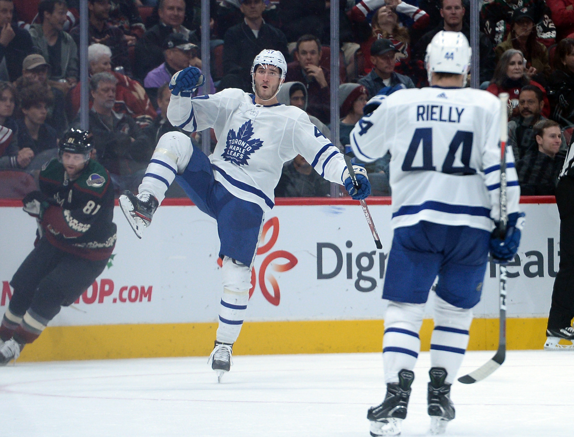 Barrie leads Maple Leafs past Avalanche 5-3
